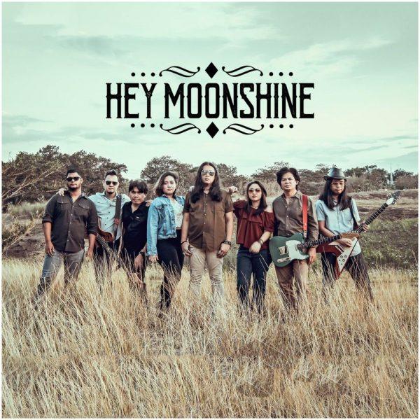 group photo of hey moonshine